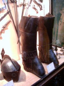 Bottes de postillon au musée du Palais Bénédictine
